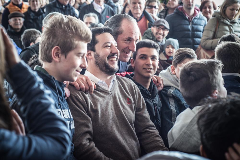 """Campo San Martino, Padova, Italia2015. Lega Nord. Salvini e Zaia Partecipano all'inaugurazione del nuovo quartierecentro di marsangoAi """"bambini di Beslan"""""""